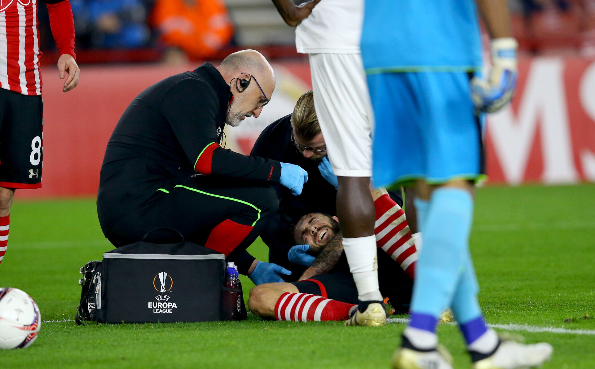 Charlie Austin down injured  during the UEFA Europa League match between Southampton and Hapoel Be'er Sheva F.C. at St Mary's Stadium, Southampton, England on 8 December 2016. Photo by Matt Watson/SFC/Digital South.