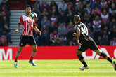 Yoshida reaches 100 Premier League appearances