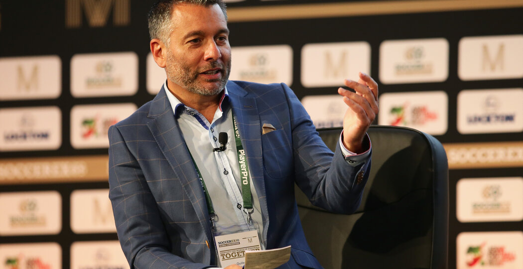 MANCHESTER, ENGLAND - SEPTEMBER 27:  Guillem Balague, Sky Sports journalist talks during day 2 of the Soccerex Global Convention 2016 at Manchester Central Convention Complex on September 27, 2016 in Manchester, England.  (Photo by Daniel Smith/Getty Images for Soccerex)