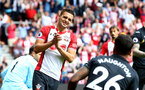 SOUTHAMPTON, ENGLAND - AUGUST 12: Southampton's Dusan Tadic frustrated during the Premier League match between Southampton and Swansea City at St Mary's Stadium on August 12, 2017 in Southampton, England. (Photo by Matt Watson/Southampton FC via Getty Images)