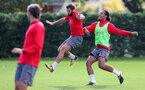 SOUTHAMPTON, ENGLAND - SEPTEMBER 28: Charlie Austin(left) and Virgil Van Dijk during a Southampton FC training session at the Staplewood Campus on September 28, 2017 in Southampton, England. (Photo by Matt Watson/Southampton FC via Getty Images)
