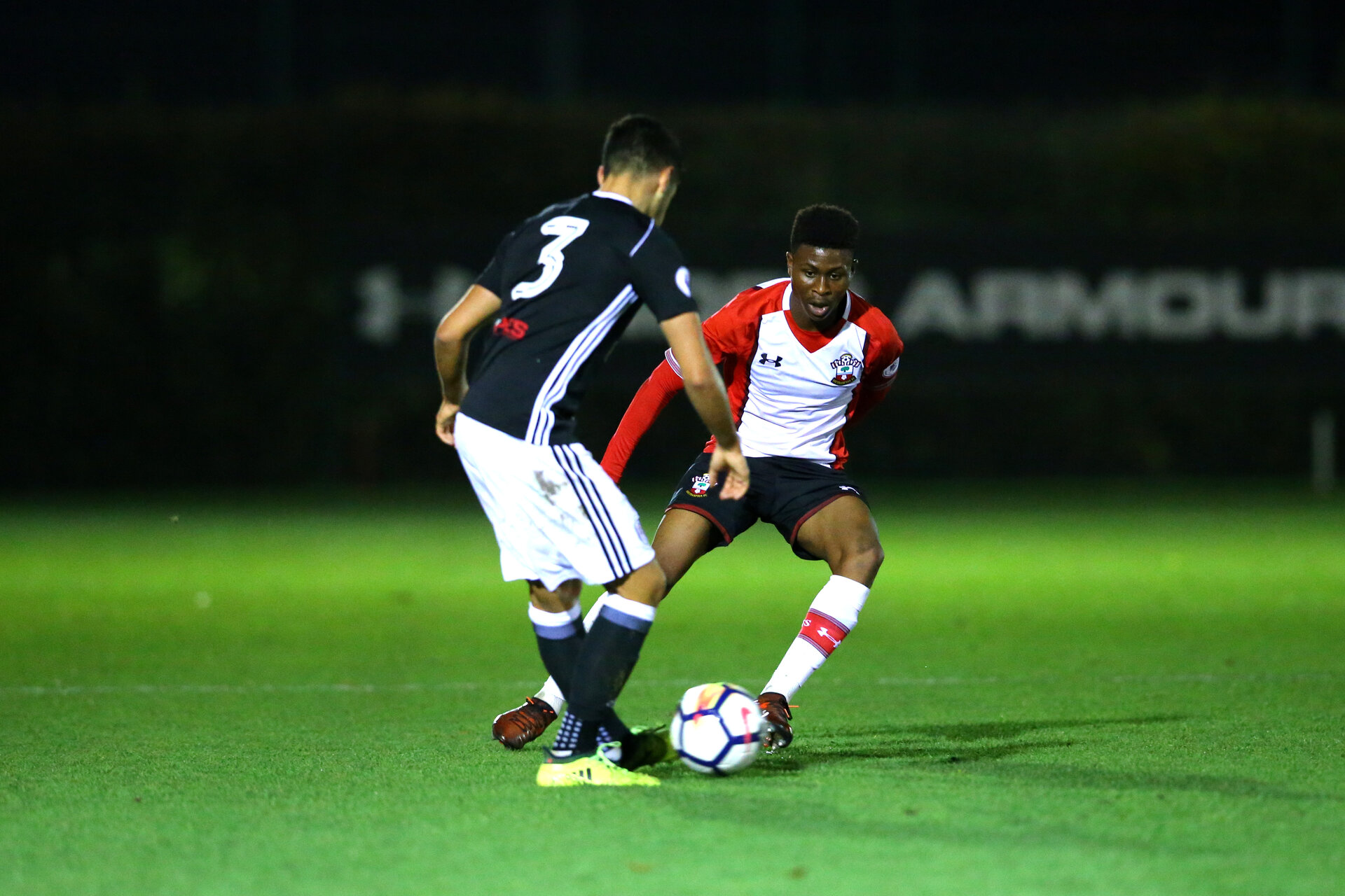 SOUTHAMPTON, ENGLAND - NOVEMBER 20: Nathan Tella (middle) during the U23s Premier League 2  between Southampton FC & Fullham FC match on November 20, 2017 in Southampton, England. (Photo by James Bridle - Southampton FC/Southampton FC via Getty Images)