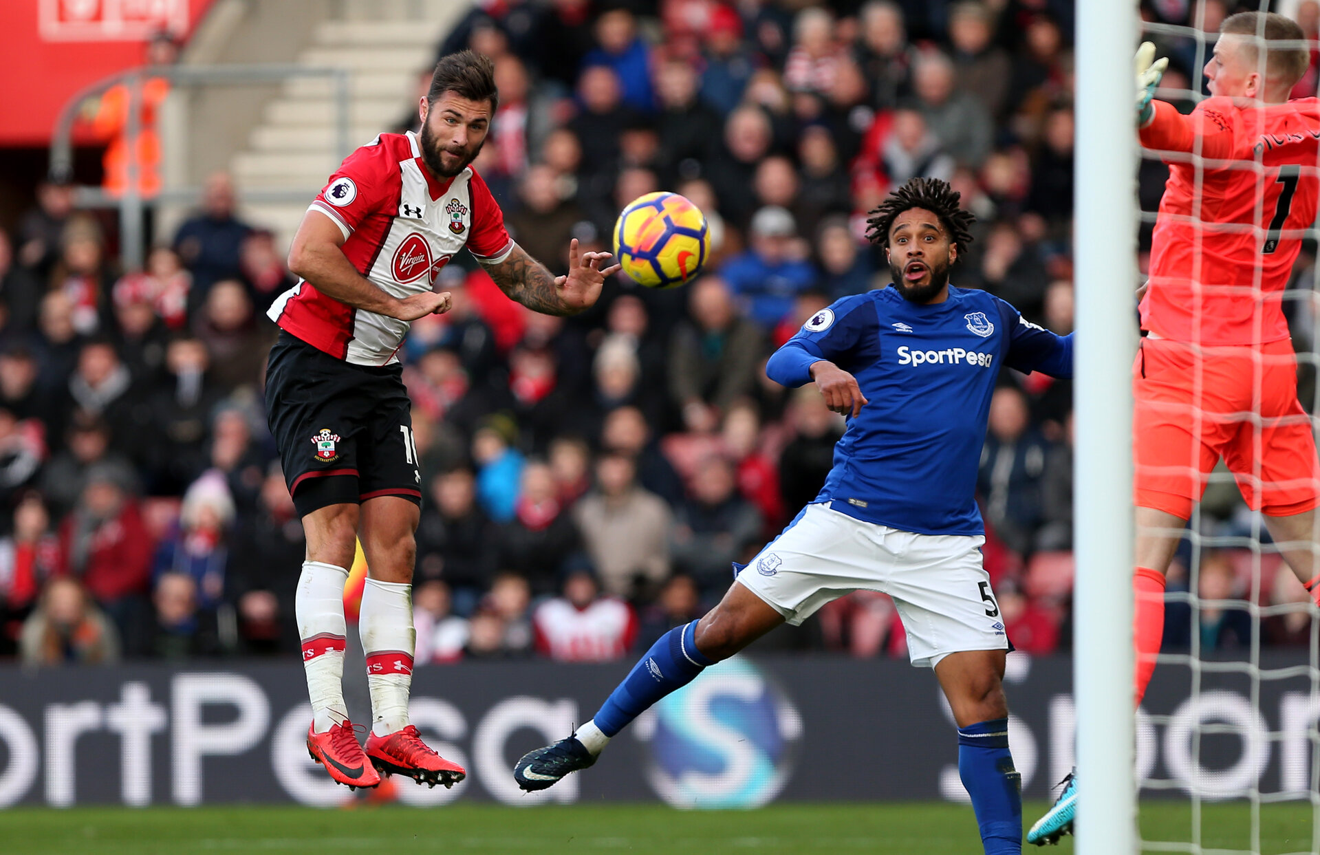 SOUTHAMPTON, ENGLAND - NOVEMBER 26: during the Premier League match between Southampton and Everton at St Mary's Stadium on November 26, 2017 in Southampton, England. (Photo by Chris Moorhouse/Southampton FC via Getty Images)