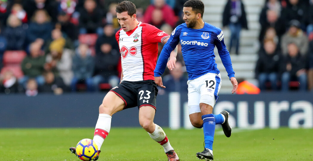SOUTHAMPTON, ENGLAND - NOVEMBER 26: Southampton's Pierre-Emile Hojbjerg(L) and Aaron Lennon during the Premier League match between Southampton and Everton at St Mary's Stadium on November 26, 2017 in Southampton, England. (Photo by Matt Watson/Southampton FC via Getty Images)