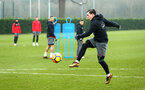 SOUTHAMPTON, ENGLAND - JANUARY 11: Pierre-Emile H¿jbjerg (middle) during a Southampton FC training session at Staplewood Complex on January 11, 2018 in Southampton, England. (Photo by James Bridle - Southampton FC/Southampton FC via Getty Images) SOUTHAMPTON, ENGLAND - JANUARY 11: Pierre-Emile Højbjerg (middle) during a Southampton FC training session at Staplewood Complex on January 11, 2018 in Southampton, England. (Photo by James Bridle - Southampton FC/Southampton FC via Getty Images)
