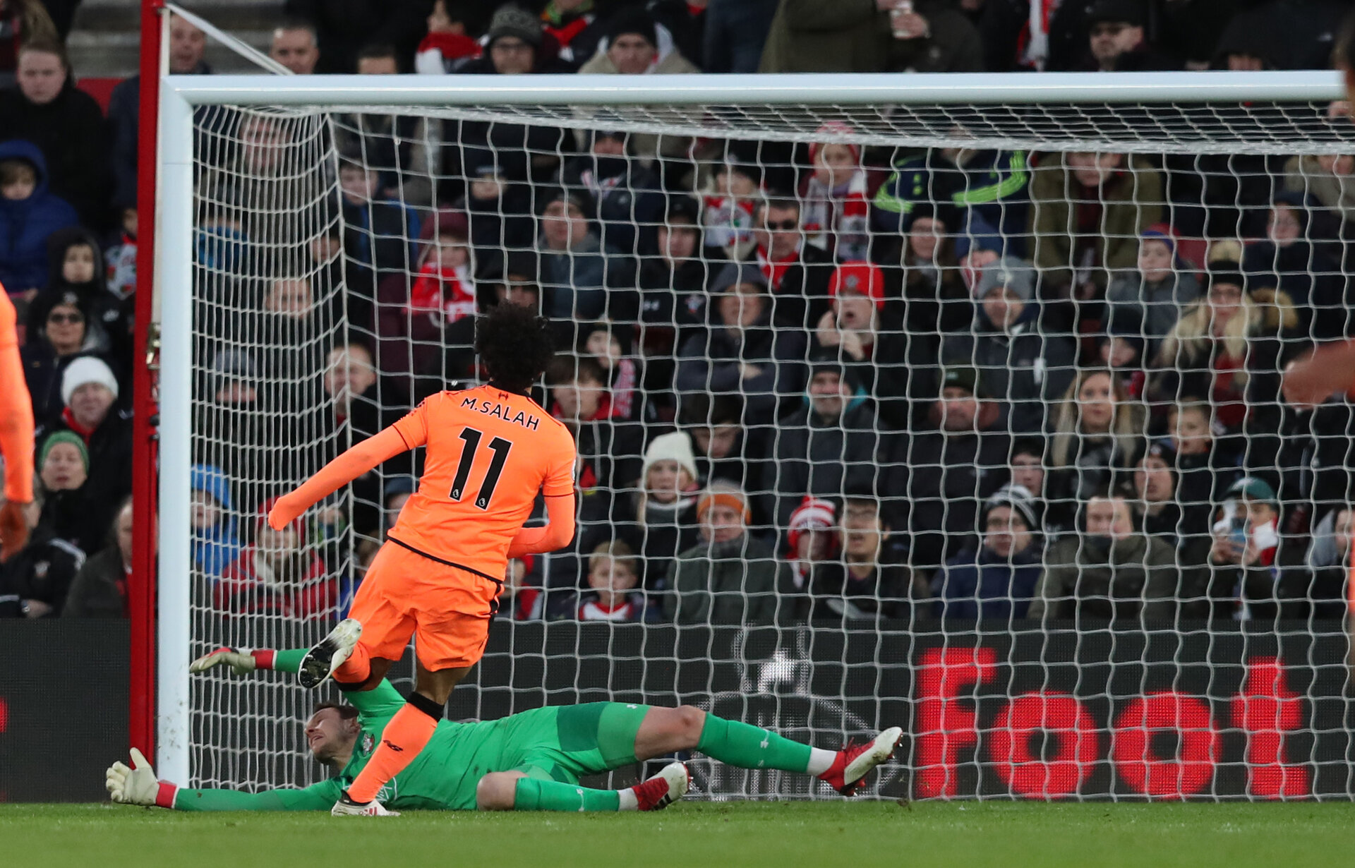 SOUTHAMPTON, ENGLAND - FEBRUARY 11: Mohamed Salah of Liverpool puts his team 2-0 up during the Premier League match between Southampton and Liverpool at St Mary's Stadium on February 11, 2018 in Southampton, England. (Photo by Matt Watson/Southampton FC via Getty Images)