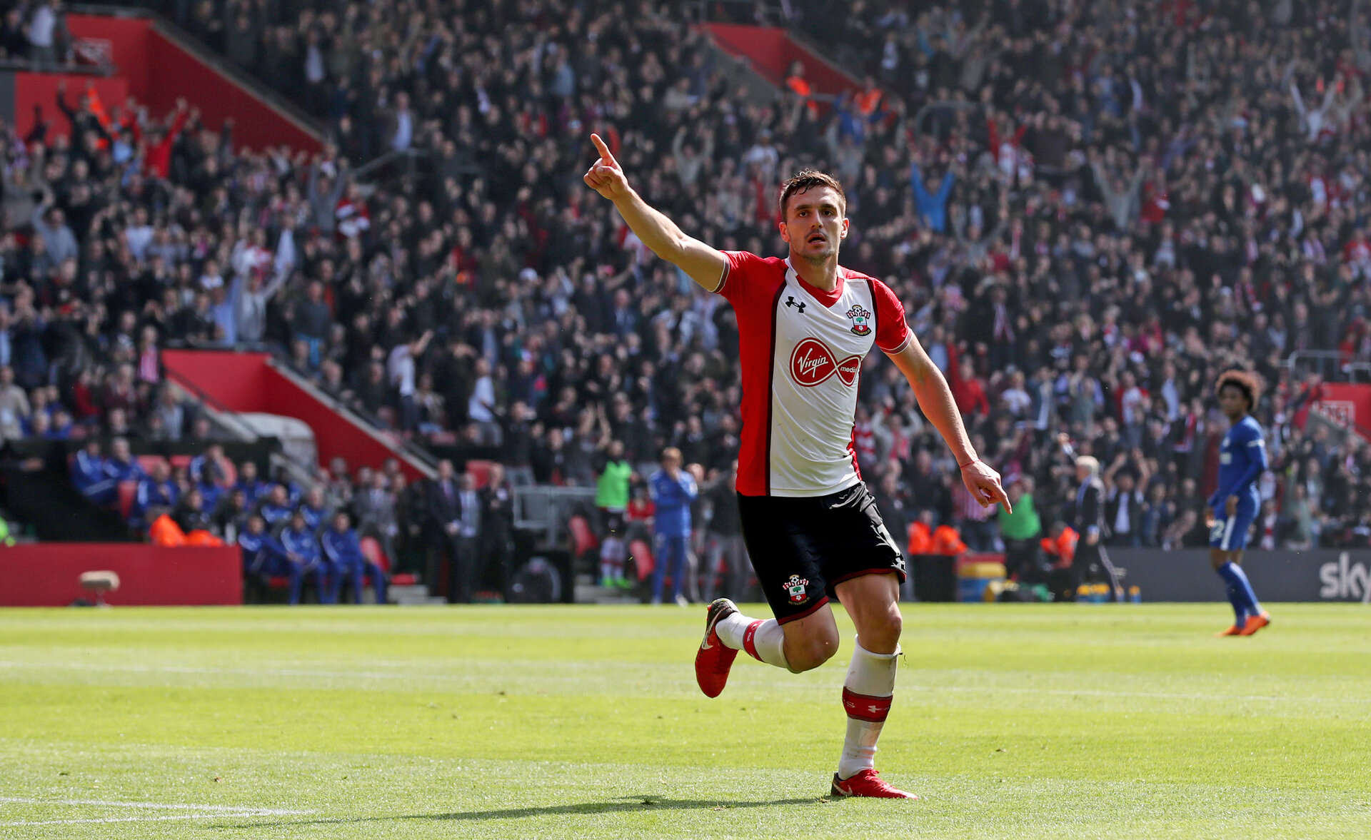 SOUTHAMPTON, ENGLAND - APRIL 14: Dusan Tadic of Southampton celebrates after opening the scoring during the Premier League match between Southampton and Chelsea at St Mary's Stadium on April 14, 2018 in Southampton, England. (Photo by Matt Watson/Southampton FC via Getty Images)