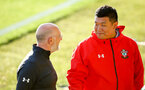 SOUTHAMPTON, ENGLAND - AUGUST 10: Steve Banes (left) Carrol Chen (right) during the PL2 match between Southampton FC vs Middlesbrough FC pictured at Staplewood Complex on August 10, 2018 in Southampton, England. (Photo by James Bridle - Southampton FC/Southampton FC via Getty Images)
