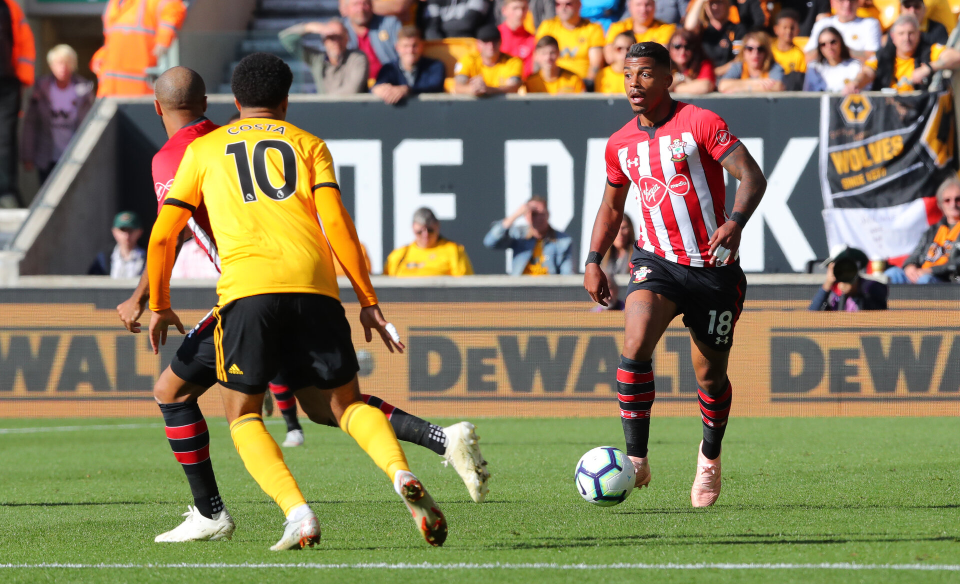 WOLVERHAMPTON, ENGLAND - SEPTEMBER 29: Mario Lemina of Southampton during the Premier League match between Wolverhampton Wanderers and Southampton FC at Molineux on September 29, 2018 in Wolverhampton, United Kingdom. (Photo by Matt Watson/Southampton FC via Getty Images)