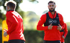 SOUTHAMPTON, ENGLAND - OCTOBER 01: Charlie Austin (right) during a Southampton FC training session at Staplewood Complex on October 1, 2018 in Southampton, England. (Photo by James Bridle - Southampton FC/Southampton FC via Getty Images)