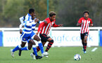 READING, ENGLAND - NOVEMBER 03: Enzo Robise (middle) during the under 18s Premier league match between Reading FC and Southampton FC, 2018 in Reading, England. (Photo by James Bridle - Southampton FC/Southampton FC via Getty Images)