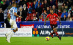 HUDDERSFIELD, ENGLAND - DECEMBER 22:  Mario Lemina(R) of Southampton during the Premier League match between Huddersfield Town and Southampton FC at John Smith's Stadium on December 22, 2018 in Huddersfield, United Kingdom. (Photo by Matt Watson/Southampton FC via Getty Images)