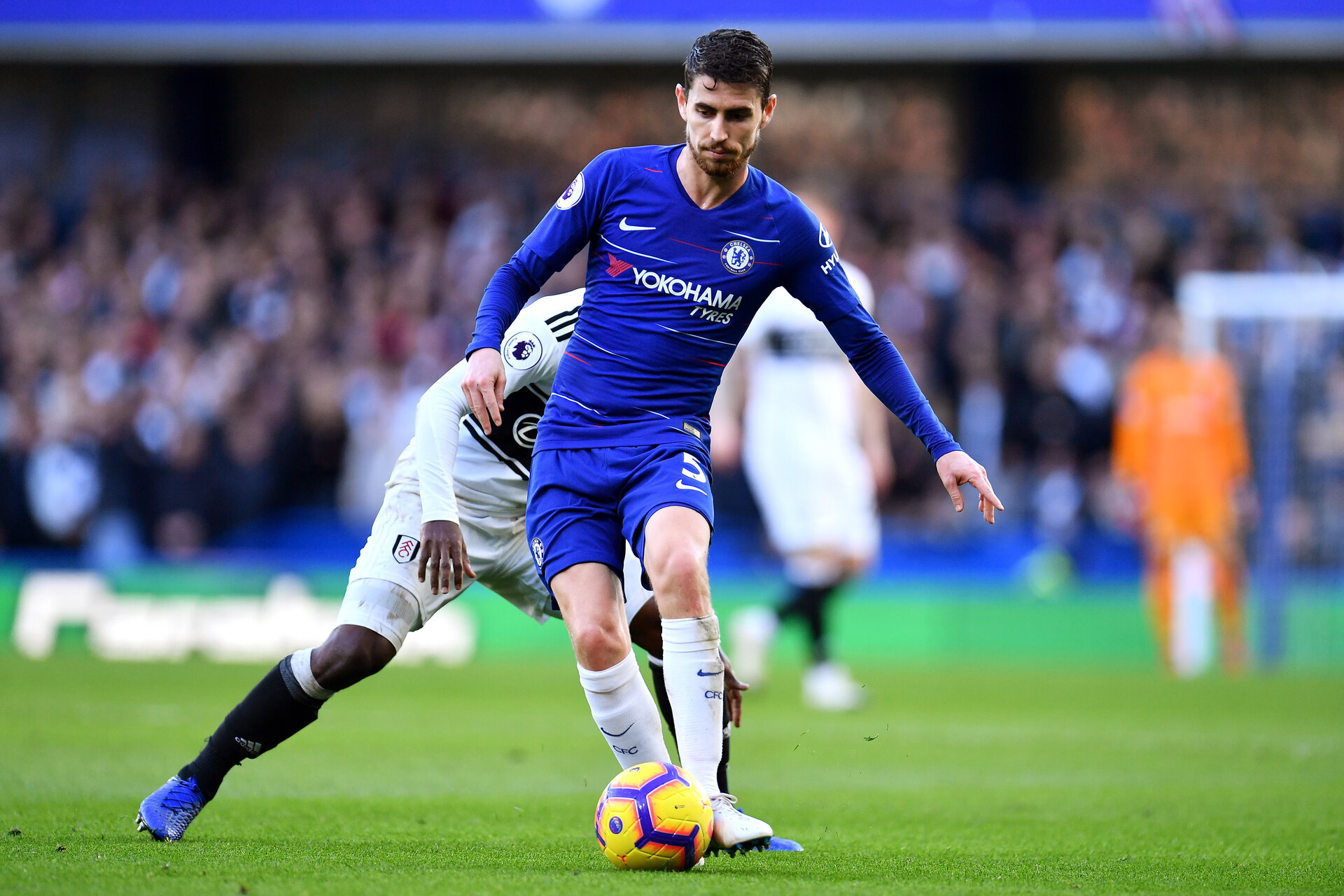 LONDON, ENGLAND - DECEMBER 02:  Jorginho of Chelsea during the Premier League match between Chelsea FC and Fulham FC at Stamford Bridge on December 1, 2018 in London, United Kingdom. (Photo by Justin Setterfield/Getty Images)
