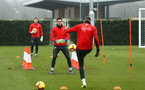 SOUTHAMPTON, ENGLAND - FEBRUARY 05: Goal Keeper Alex McCarthy (middle) trains during a Southampton FC  training session at Staplewood Complex on February 05, 2019 in Southampton, England. (Photo by James Bridle - Southampton FC/Southampton FC via Getty Images)