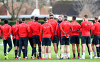 SOUTHAMPTON, ENGLAND - MARCH 05: Ralph Hasenhuttl speaks to his players during a Southampton FC training session at the Staplewood Campus on March 05, 2019 in Southampton, England. (Photo by Matt Watson/Southampton FC via Getty Images)