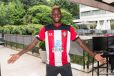 Gallery: Djenepo signs for Saints!