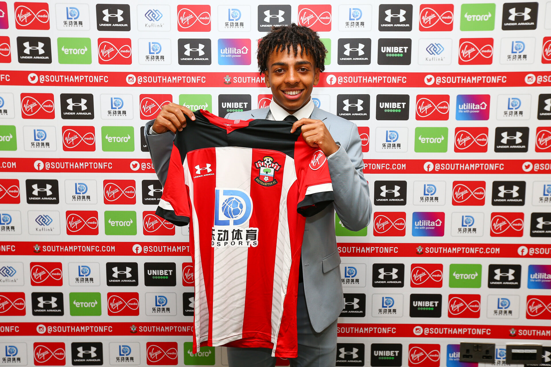 Four Youngsters Sign Professional Deals Southampton Fc