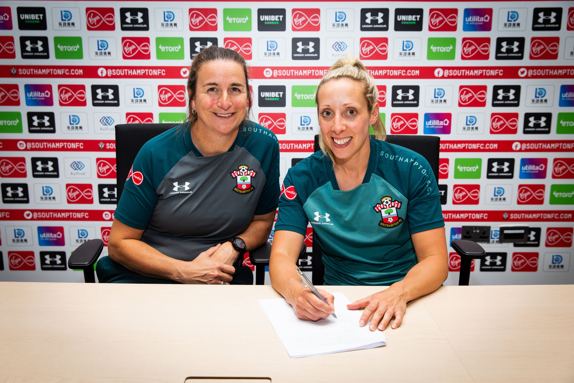 SOUTHAMPTON, ENGLAND - 2 JULY:  Shelly Provan (right) signs for Southampton FC pictured at Staplewood Training Ground on July 2, Southampton, England. (Photo by James Bridle - Southampton FC/Southampton FC via Getty Images)
