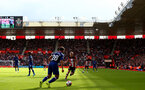 SOUTHAMPTON, ENGLAND - OCTOBER 06: James Ward-Prowse(R) of Southampton closes down Cesar Azpilicueta of Chelsea during the Premier League match between Southampton FC and Chelsea FC at St Mary's Stadium on October 06, 2019 in Southampton, United Kingdom. (Photo by Matt Watson/Southampton FC via Getty Images)