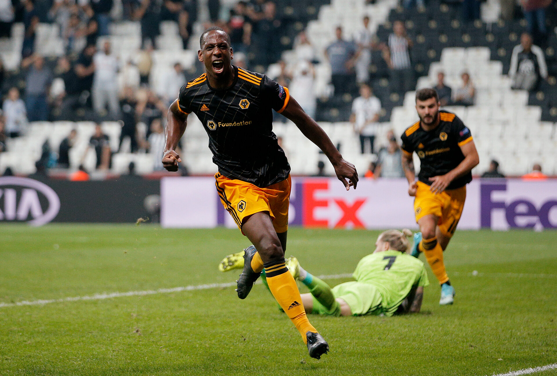 ISTANBUL, TURKEY - OCTOBER 03: Willy Boly of Wolverhampton Wanderers celebrates after scoring his team's first goal during the UEFA Europa League group K match between Besiktas and Wolverhampton Wanderers at Vodafone Park on October 03, 2019 in Istanbul, Turkey. (Photo by Dean Mouhtaropoulos/Getty Images)
