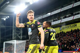 Stunning Saints romp to Palace win