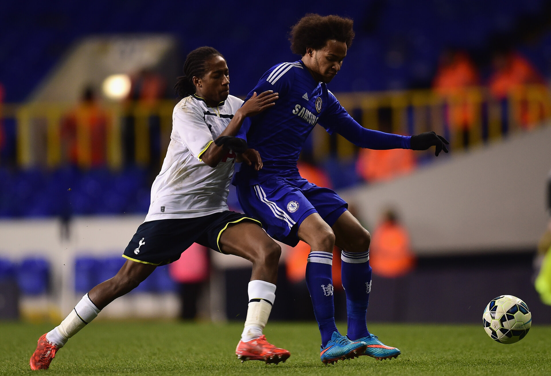 LONDON, ENGLAND - MARCH 05:  Isaiah Brown of Chelsea battles with Kyle Walker-Peters of Spurs during the FA Youth Cup Semi Final, first leg match between Tottenham Hotspur and Chelsea at White Hart Lane on March 5, 2015 in London, England.  (Photo by Jamie McDonald/Getty Images)