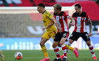 SOUTHAMPTON, ENGLAND - JUNE 25: (L) Hector Bellerin and (R) James Ward-Prowse during the Premier League match between Southampton FC and Arsenal FC at St Mary's Stadium on March 21, 2020 in Southampton, United Kingdom. (Photo by Chris Moorhouse/Southampton FC via Getty Images)