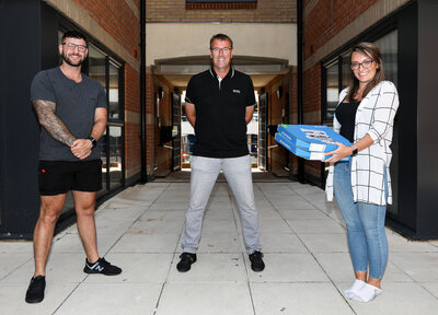 Matt Le Tissier delivers Domino's pizzas