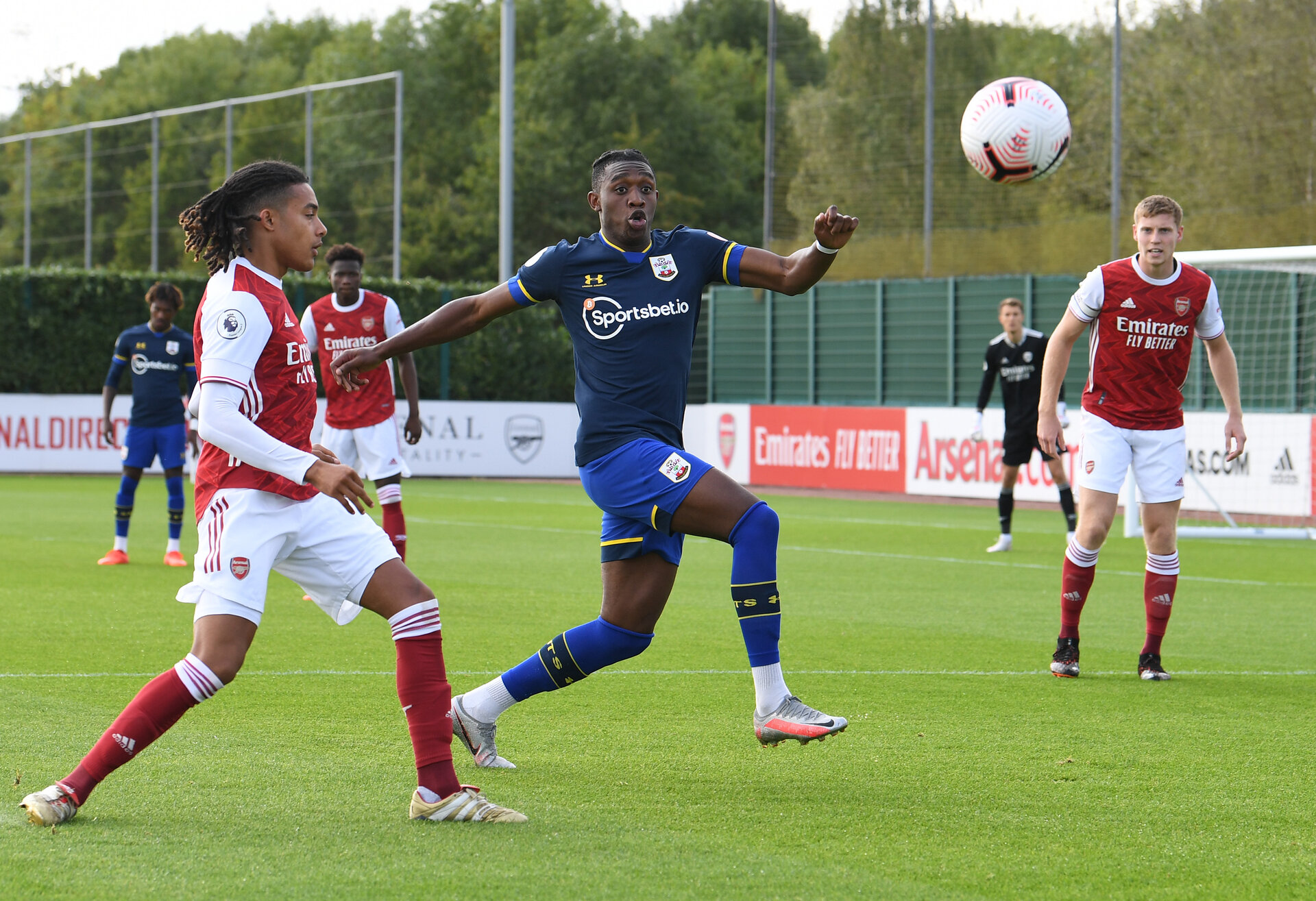 ST ALBANS, ENGLAND - SEPTEMBER 11: Dan N'Lundulu(centre) of Southampton during the Premier League 2 match between Arsenal U23 and Southampton U23 at London Colney on September 11, 2020 in St Albans, England. (Photo by David Price/Arsenal FC via Getty Images)