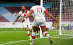 BURNLEY, ENGLAND - SEPTEMBER 26: Danny Ings (L) of Southampton goal celebration during the Premier League match between Burnley and Southampton at Turf Moor on September 26, 2020 in Burnley, United Kingdom. Sporting stadiums around the UK remain under strict restrictions due to the Coronavirus Pandemic as Government social distancing laws prohibit fans inside venues resulting in games being played behind closed doors. (Photo by Matt Watson/Southampton FC via Getty Images)