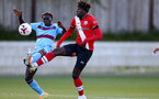 SOUTHAMPTON, ENGLAND - SEPTEMBER 26: Emmanuel Longelo (L) of West Ham and Alex Janekewitz (L) of Southampton during Premier League 2 Match between Southampton B Team and West Ham United at Staplewood Training Ground on September 26, 2020 in Southampton, England. (Photo by Isabelle Field/Southampton FC via Getty Images)