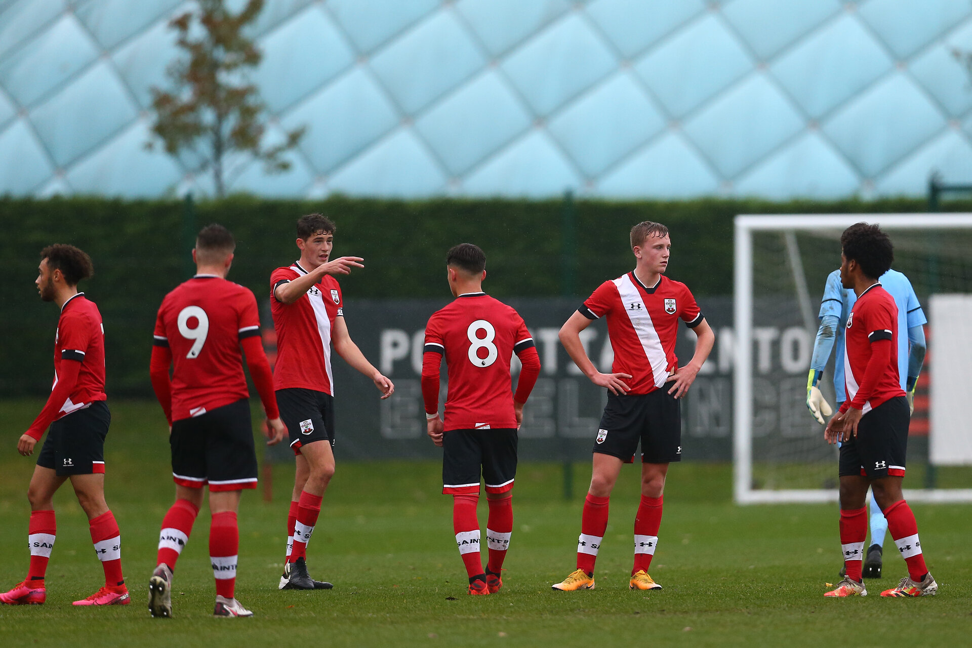 SOUTHAMPTON, ENGLAND - OCTOBER 31: Southampton players  during the Premier League U18s match between Southampton U18s and Fulham FC at Staplewood Training Ground on October 31, 2020 in Southampton, England. (Photo by Isabelle Field/Southamtpon FC)