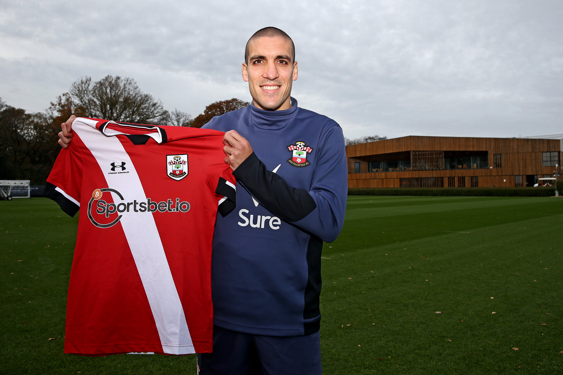 SOUTHAMPTON, ENGLAND - NOVEMBER 16: Oriol Romeu signs a new contract with Southampton FC, pictured at the Staplewood Campus on November 16, 2020 in Southampton, England. (Photo by Matt Watson/Southampton FC via Getty Images)