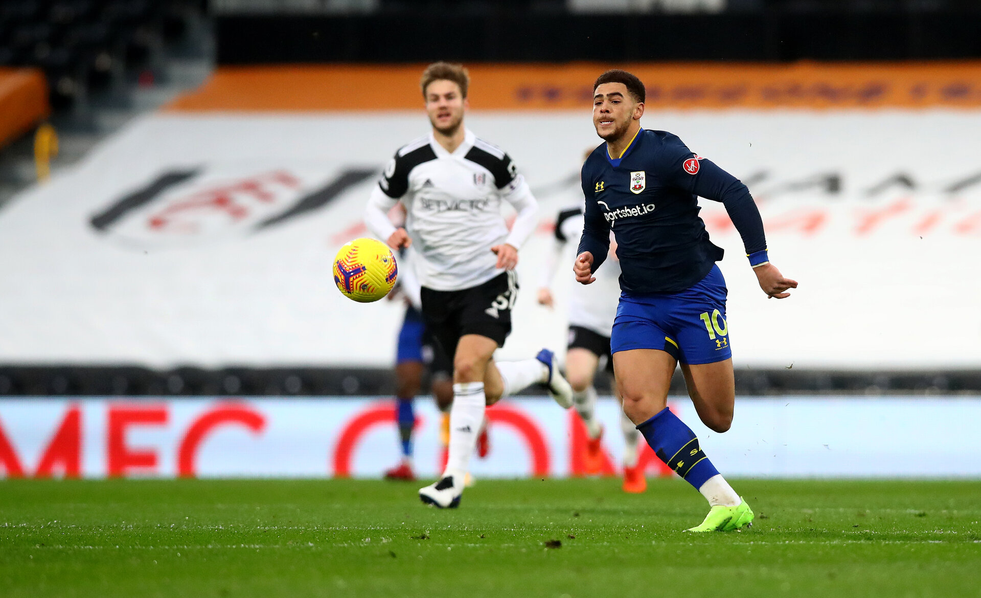 LONDON, ENGLAND - DECEMBER 26: Che Adams of Southampton during the Premier League match between Fulham and Southampton at Craven Cottage on December 26, 2020 in London, England. The match will be played without fans, behind closed doors as a Covid-19 precaution. (Photo by Matt Watson/Southampton FC via Getty Images)