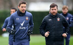 SOUTHAMPTON, ENGLAND - FEBRUARY 01: Jan Bednarek(L) and Head of Sports Science Alek Gross during a Southampton FC training session at the Staplewood Campus on February 1st, 2021 in Southampton, England. (Photo by Matt Watson/Southampton FC via Getty Images)